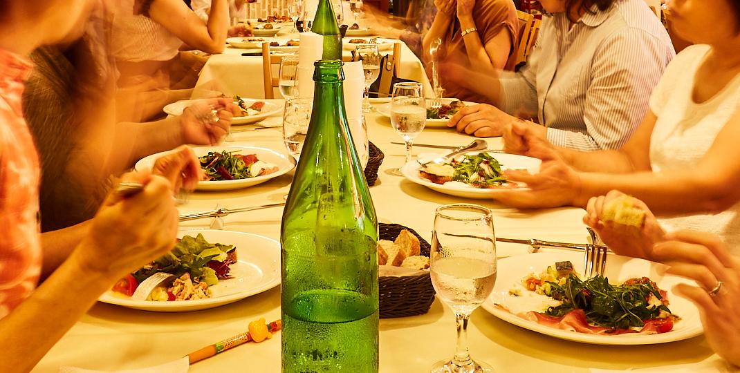 レストランウェディングから披露宴の二次会まで、各種パーティ承ります